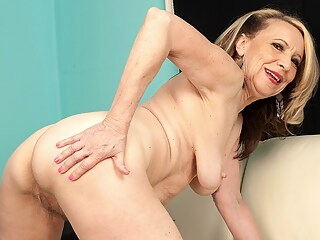 Miranda Cums With Experience - Miranda Torri - 40SomethingMag big tits blonde granny freeones