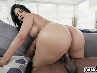 latina housewife is going to fuck this builder big ass big cock big tits freeones