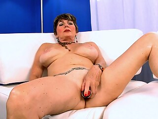 Bea, Her 60Something Cunt and You - Bea Cummins - 40SomethingMag big ass big tits high heels freeones