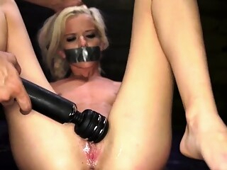 Amateur rough blowjob swallow Halle Von is in town on vacati bdsm blonde close-up freeones