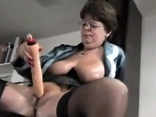Svenska MILF med Dildos big boobs masturbation mature freeones